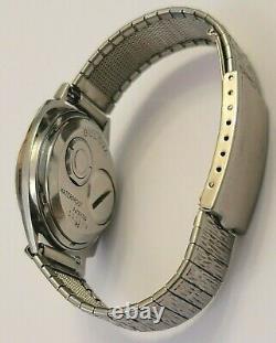 1960 Asymmetrical Bulova Accutron 14K Gold Inlay Bezel M0 Tuning Fork 214 works