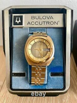 1974 Bulova Accutron Day Date 2182 Tuning Fork LNIB (Store Display) Full set
