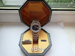 Bulova Accutron 2182 Day Date Tuning Fork a larger Accutron from 1974 boxed G/C