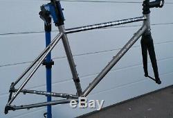 Genesis Volare Disc 931 frameset 53cm Reynolds stainless steel. Carbon fork