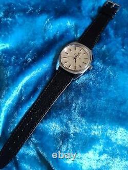 Mens Vintage Stainless Steel BULOVA ACCUTRON 2180G Tuning Fork Wristwatch