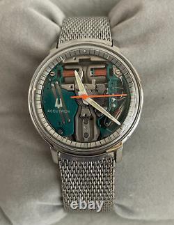 Original Bulova Accutron Tuning Fork Spaceview Wristwatch M5