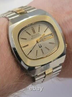 Rare 1975 Vintage 40mm case Bulova Accutron Tuning Fork 218 Men's Watch works