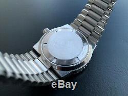 Rare Vintage Bulova Accutron Snorkel 666 Feet Blue Bezel Tuning Fork Watch