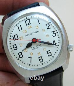 Serviced 218d Accutron Railroad Stainless Steel Tuning Fork Men's Watch M9