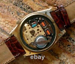 Swiss Bulova Accutron 2182-G Tuning Fork Gold Tone Watch, N6 Running