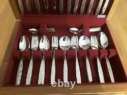 Vintage 50 Piece Oneida Will O The Wisp Canteen Of Cutlery Set in wood box